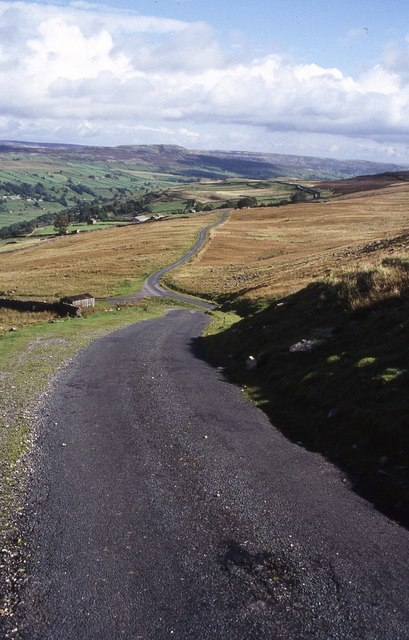 Country road above Swaledale