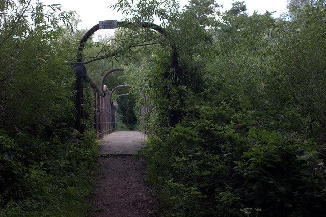Bridge on the Wraysbury to Horton path