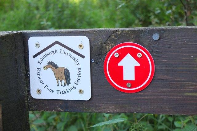 Path signs at Swanston