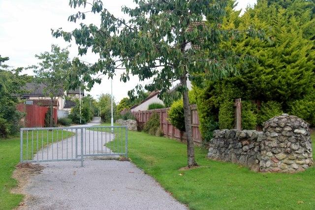 Footpath at Wellside, Kingswells