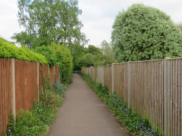 Passage to Kennet Way play area