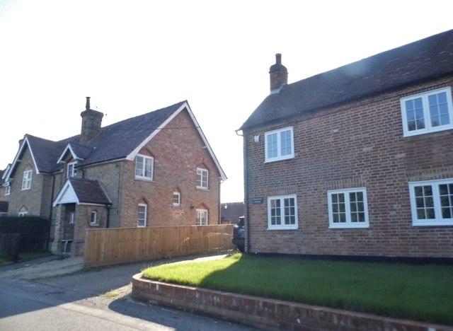 Houses on Oxford Road, Honeyburge