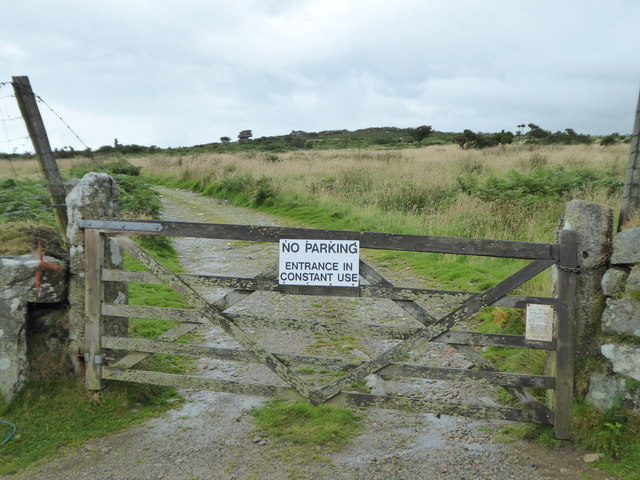 Gate on the track leading to the Cheese Wring