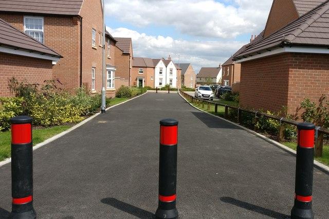 New housing estate along Springwell Lane, Whetstone