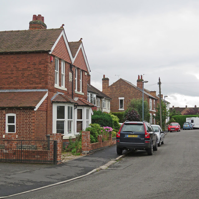 Mickleover: south along North Avenue