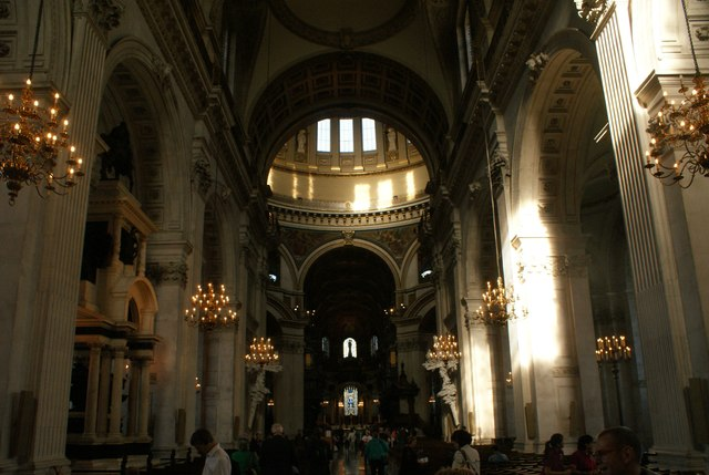 View of the main hall in St. Paul's Cathedral #5