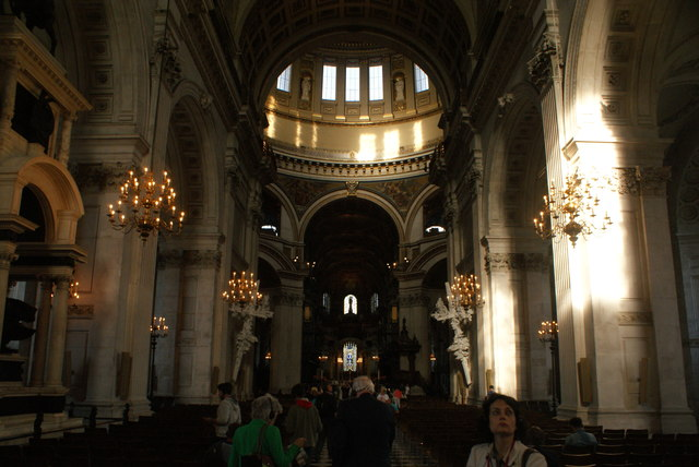 View of the main hall in St. Paul's Cathedral #6