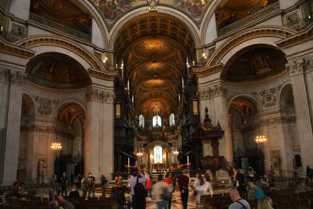 View of the main hall in St. Paul's Cathedral #7