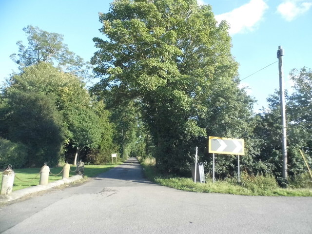 Driveway to Thame Park House