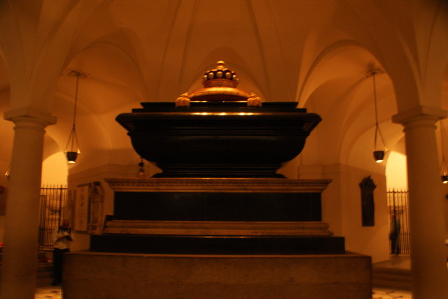 View of Horatio Nelson's tomb in the crypt of St. Paul's Cathedral