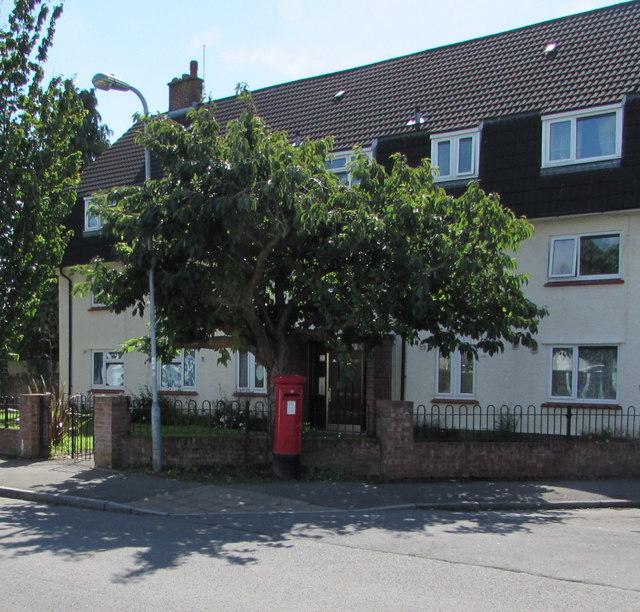 Queen Elizabeth II pillarbox, Westbourne Road, Whitchurch, Cardiff