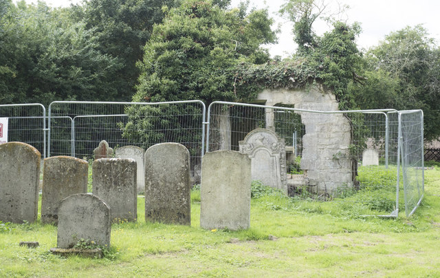 St Helen (old church), Colne - Churchyard