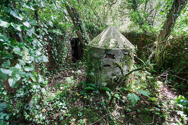 North Wales WWII defences: RAF Bodorgan, Anglesey - LAA Emplacement (7)