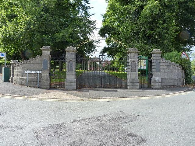 War Memorial gates at the entrance to Hartshill Park