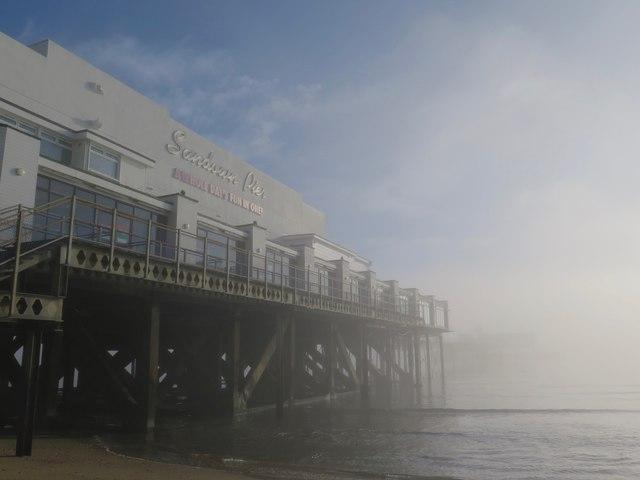 Fog clearing, Sandown Pier