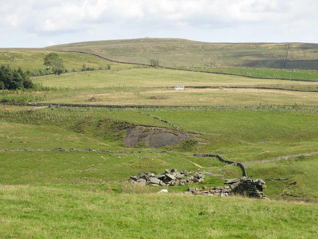 Farmland east of Clarty Lane