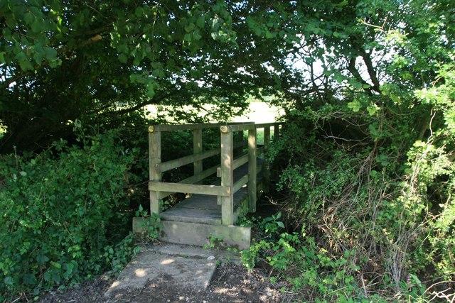 Footbridge near Wootton Fitzpaine