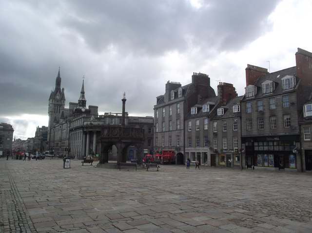 Castlegate and the Mercat Cross