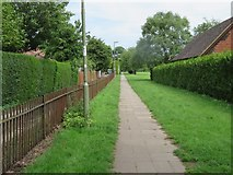 SU6050 : Footpath to Stratton Park by Given Up