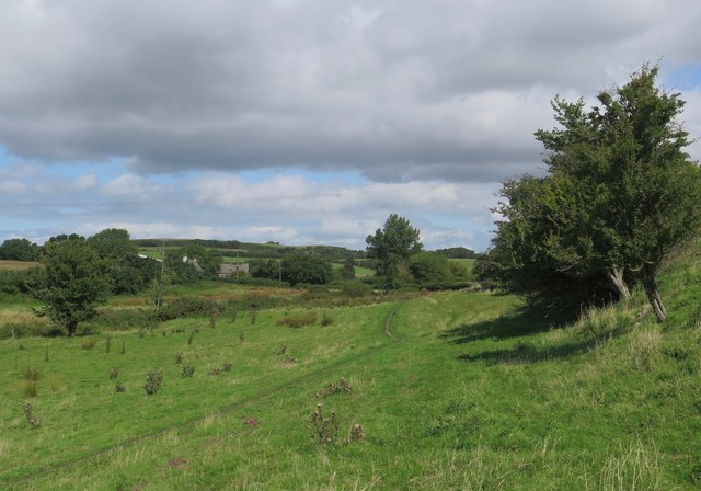 Public footpath from Whitwell, approaching Roud