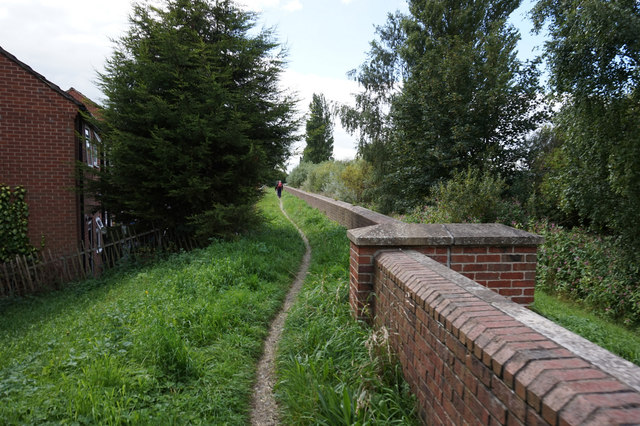 River side path along the River Ouse in Selby