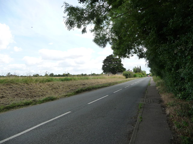 Mellis Road, heading east from Mellis to Yaxley