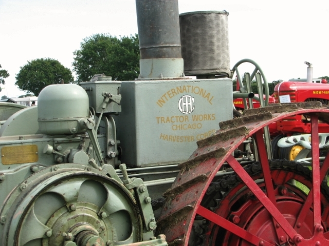 International Harvester Mogul 8-16 tractor - detail