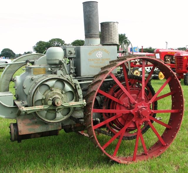 International Harvester Mogul 8-16 tractor  - detail