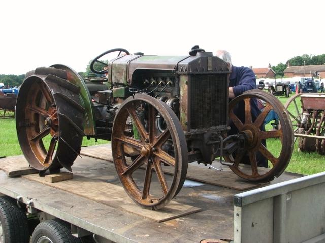 Depliant Motomeccanica tractor, Model B50