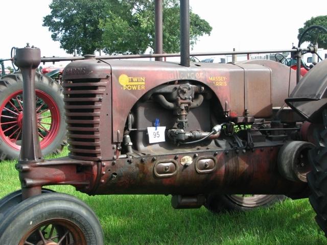 "Massey-Harris ""Twin Power"" Challenger tractor - engine"
