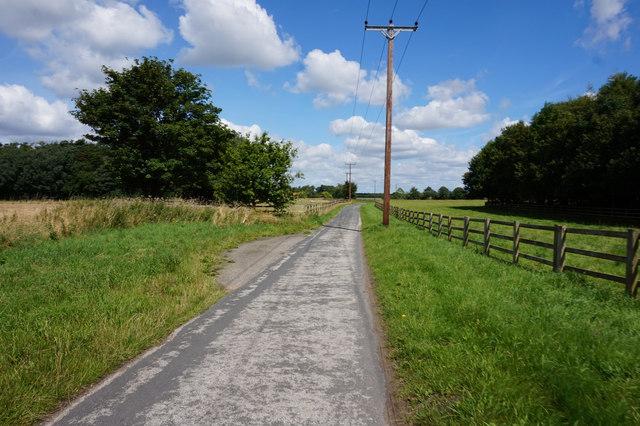 Scoreby Lane towards Hendwick Hall