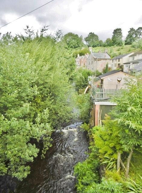 Llanrhaeadr-ym-Mochnant, Afon Rhaeadr