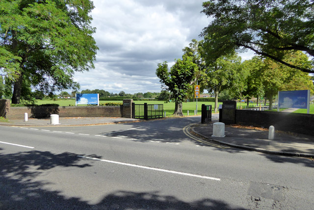 Entrance, Meadhurst Club