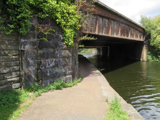Northern Line bridge over the Leeds-Liverpool Canal