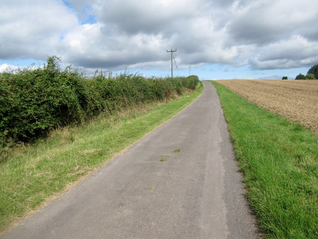 Estate road to Hilltop Barn