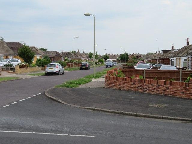 View along Shipton Way