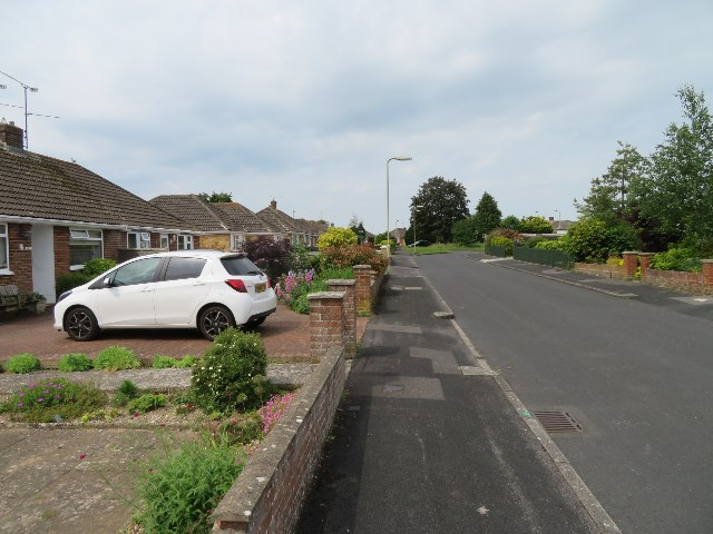 View along Widmore Road