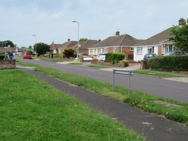 Houses in Woodroffe Drive