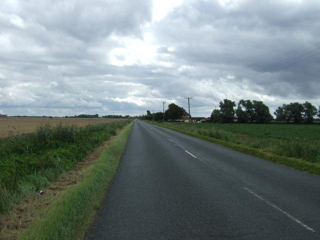 Wimblington Road (B1093) near Lawrence Bridge Farm