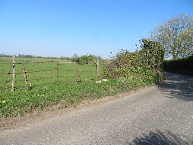 Rectory Road entering Oakley