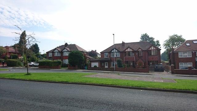 Mainway, Alkrington