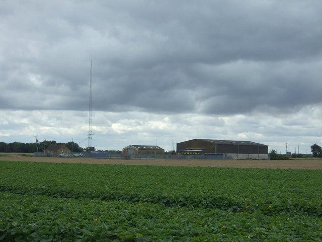 Flat farmland towards Bedlam Hill