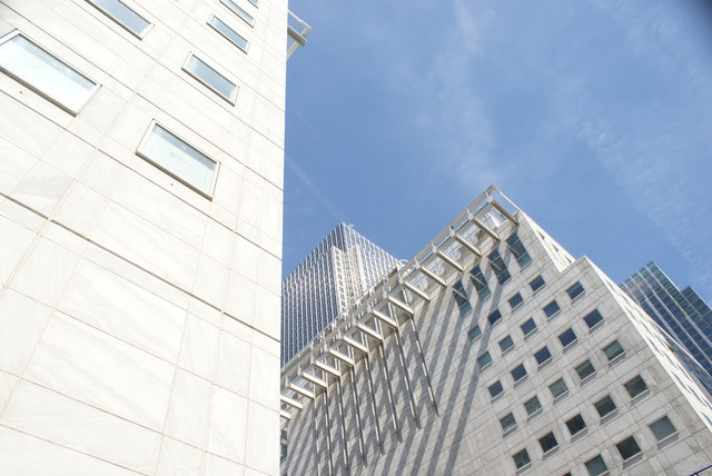 View of the Thomson Reuters and One Canada Square from Mackenzie Walk