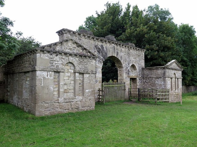Mackershaw Lodges (ruin)