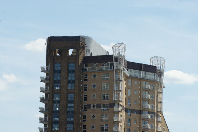 View of Cascades Tower from the Thames Path