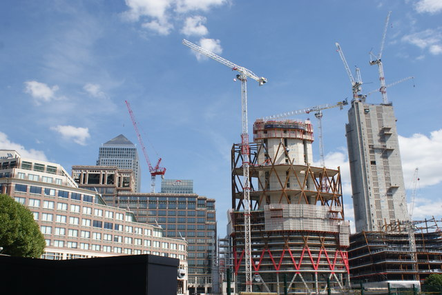 View of One Canada Square, the Citibank building and the Newfoundland construction site from the Thames Path