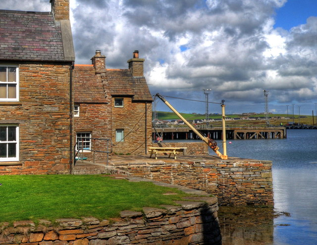 Houses by Stromness harbour from Southend