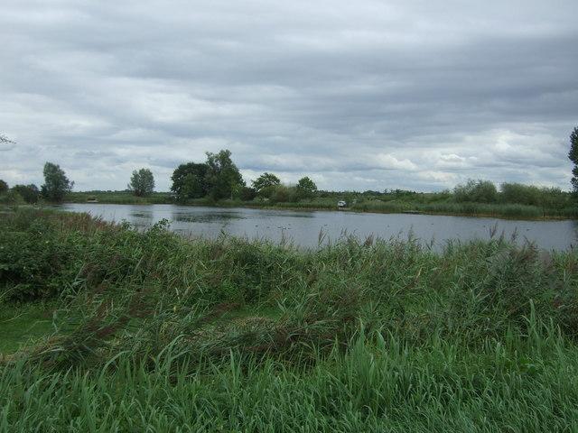 Large pond, Manea