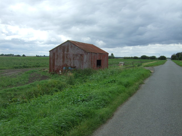 Farm building beside Straight Road