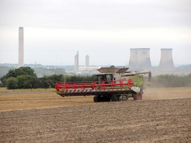 Harvesting near Little Wittenham